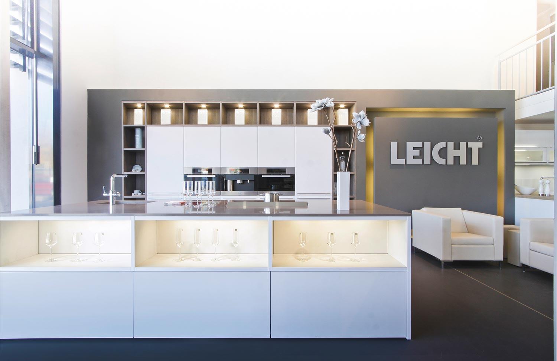 YOUNIQ AG – Studentenappartements – Objekt und Küche