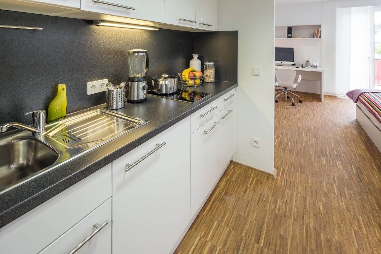 student home iii in karlsruhe objekt und k che. Black Bedroom Furniture Sets. Home Design Ideas